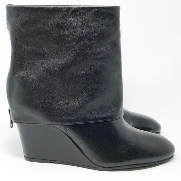 19340f9949f 🆕Steve Madden Fold Over Boots. M 5be4ea392e1478baa1e7048a